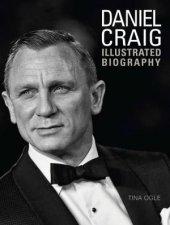 Daniel Craig by Tina Ogle